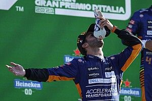 A McLaren az F1 erősorrendjében is dominált, Leclerc egy helyet javított