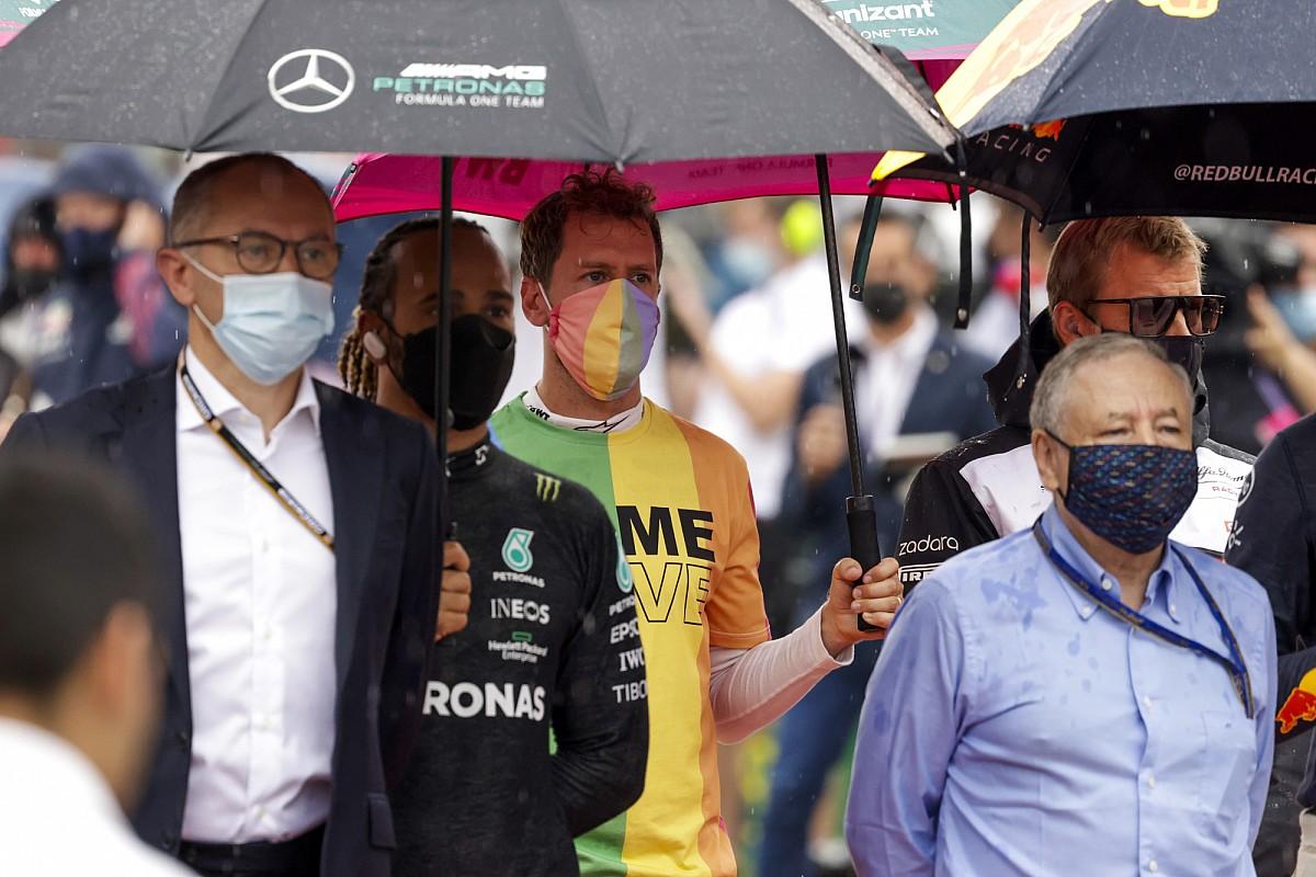 Hamilton trots op statement van Vettel in strijd voor inclusiviteit