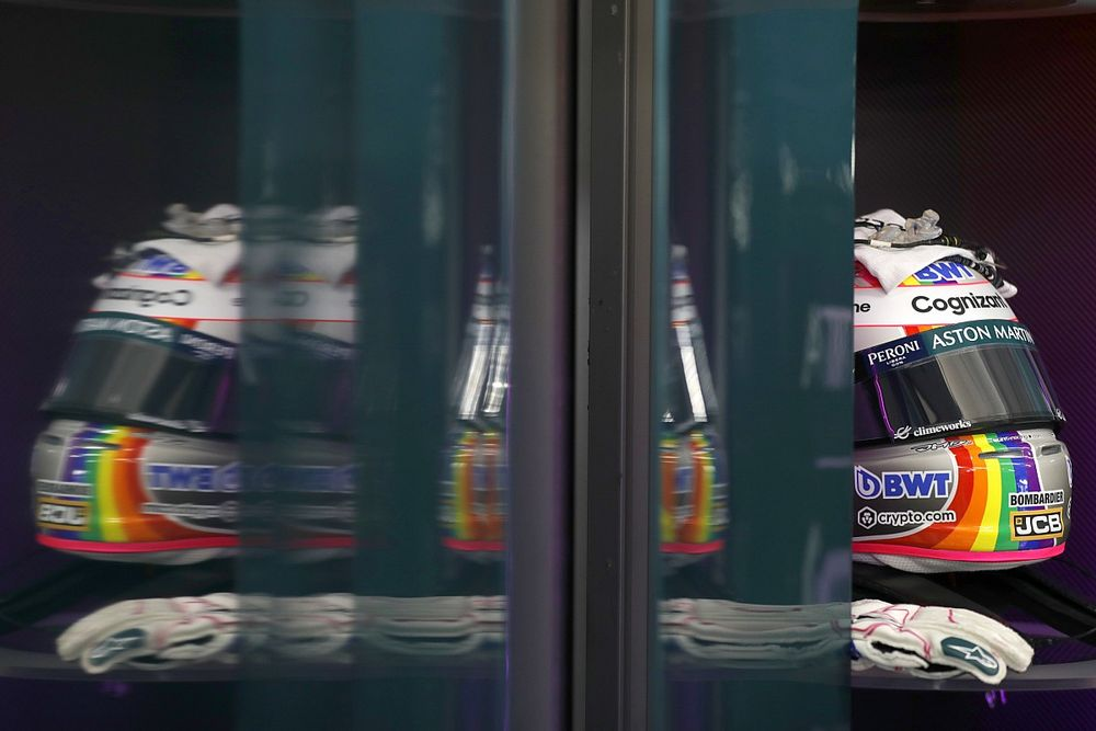 F1: Vettel se une a Hamilton por diversidade e tem capacete especial na Hungria; veja