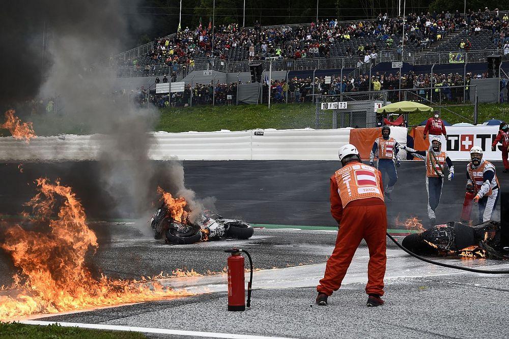 Fotos: el tremendo incendio de las motos de Pedrosa y Savadori