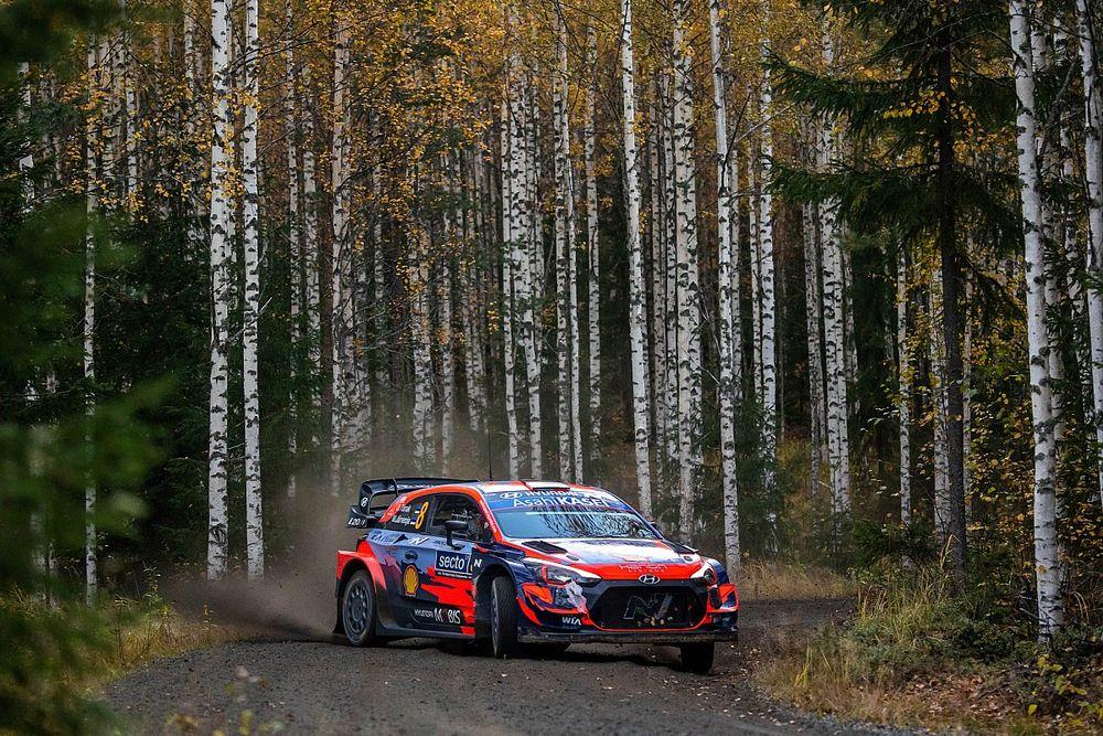 WRC, Rally Finlandia, PS12: Tanak sale in seconda posizione