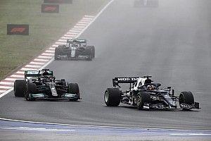 """Tsunoda: """"Wilde Verstappen helpen door Hamilton op te houden"""""""