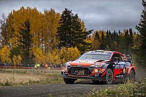 WRC, Rally Finlandia, PS16: Tanak si avvicina di poco a Evans