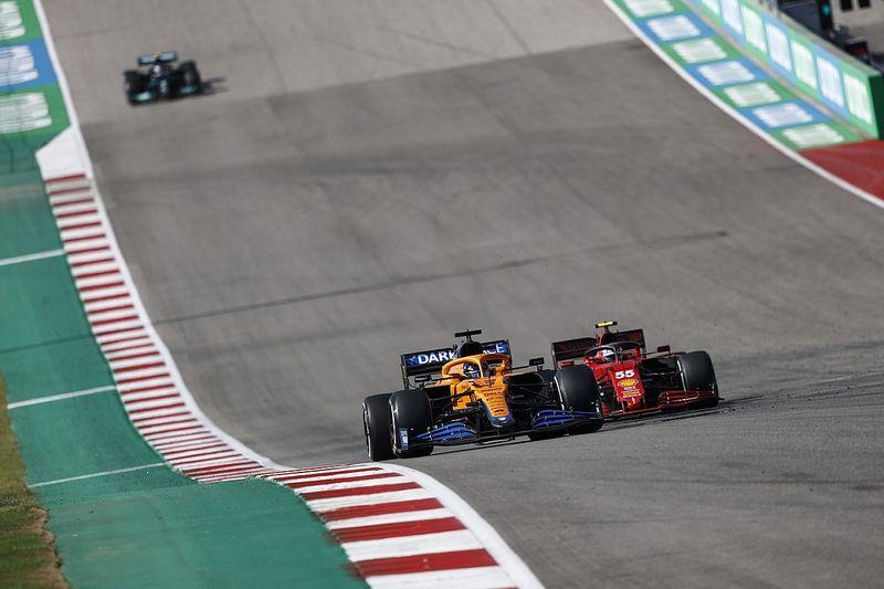 """Ricciardo """"happy to be dirty"""" in Sainz Austin F1 battle"""