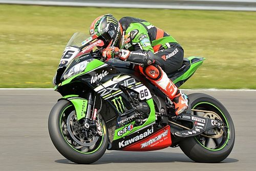 Donington WSBK: Sykes holds off Rea for second win of the weekend
