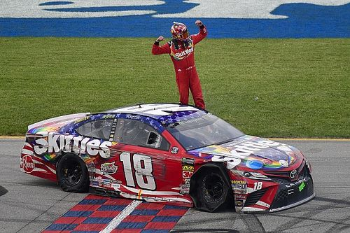 """Kyle Busch to fans: """"I don't know what you all are whining about"""""""