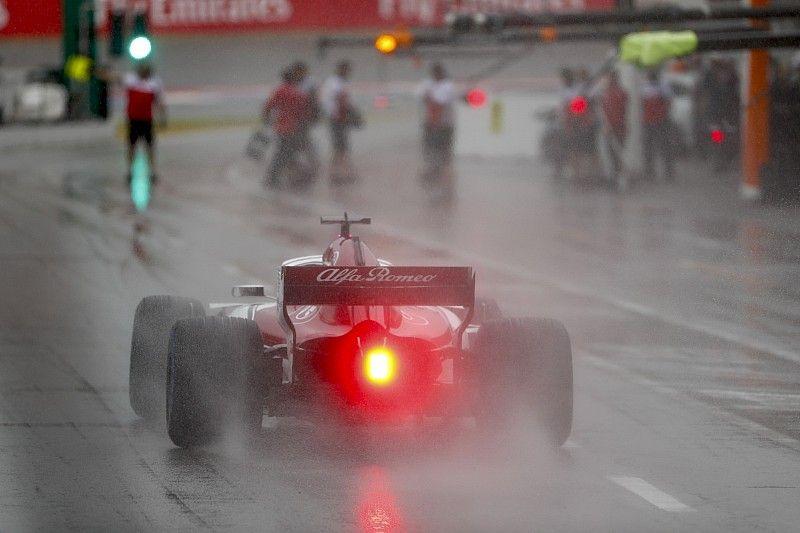 La lluvia y la falta de actividad en pista protagonizan los libres 3
