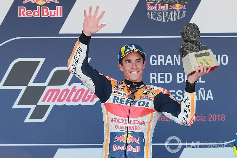 スペイン決勝:マルケスが2連勝! 2〜4位争いで三つ巴クラッシュ