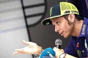 Hari pertama, Rossi keluhkan keseimbangan motor