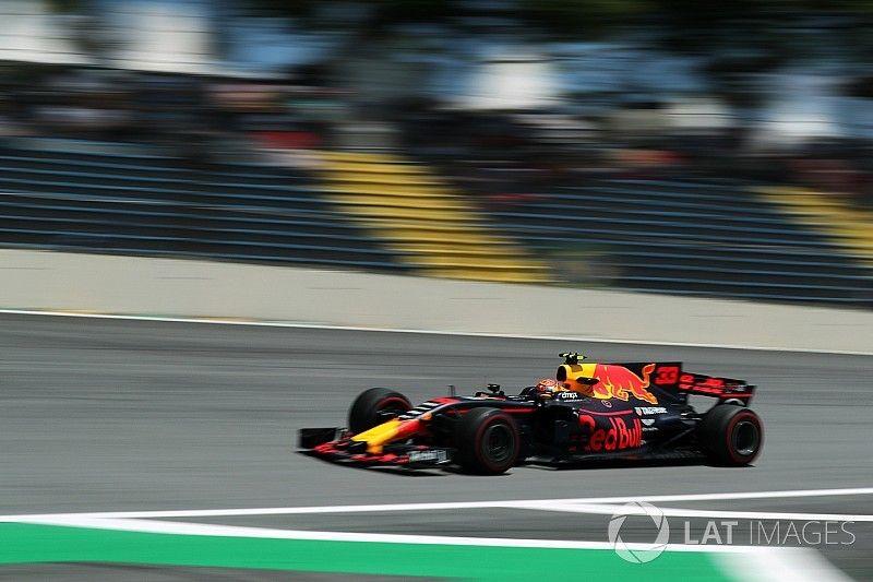 Verstappen señaló que perdía medio segundo en la recta