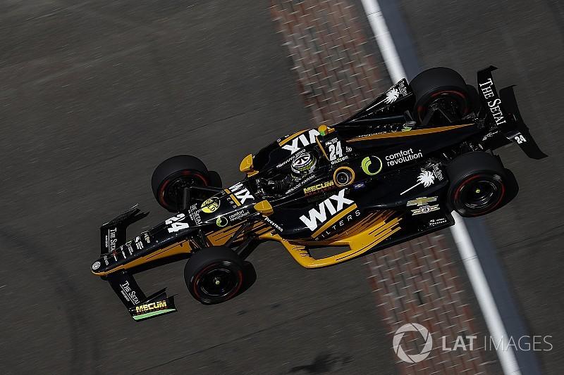 Karam lidera la sesión del lunes previo a Indy 500