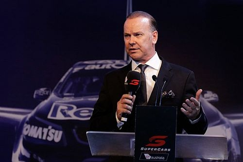 Larkham returns as Supercars pit reporter