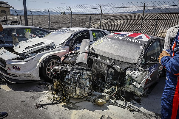 WTCR Huff and Bennani's VWs written off in Portugal crash