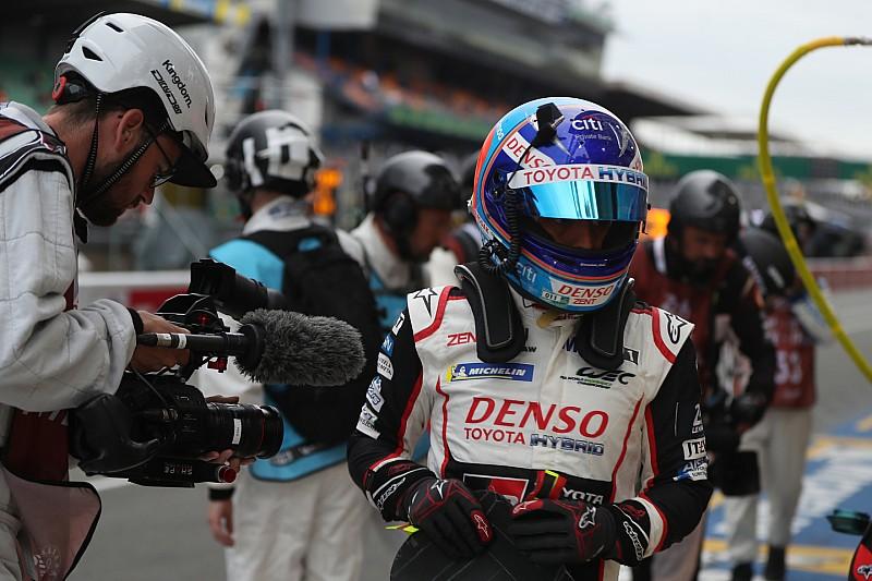 """Alonso tras su último relevo: """"Había que apretar los dientes"""""""