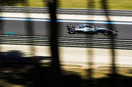 Хэмилтон на 0,7 секунды опередил пилотов Red Bull во второй тренировке