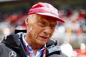 Forte gripe faz Lauda voltar a hospital na Áustria