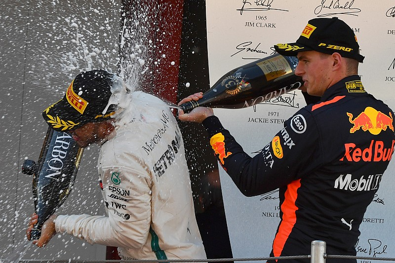 """Mercedes sprak in 2017 met Verstappen: """"Interesse maar geen concreet aanbod"""""""