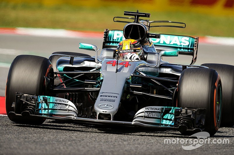 """Hamilton admite que el Mercedes es """"difícil de conducir"""""""