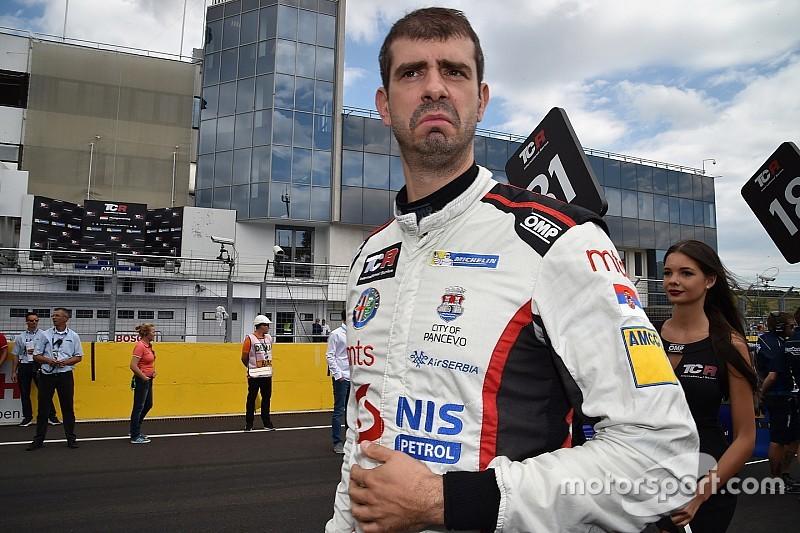 Пилота европейской серии TCR отстранили от турнира до конца сезона. Он опять пытался устроить драку
