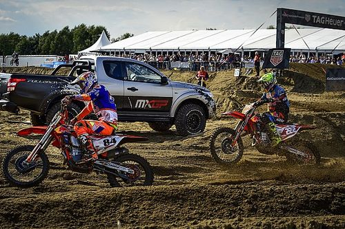 Video: Zandkoning Herlings troeft Cairoli af in Lommel