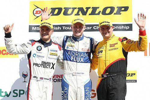 Rockingham BTCC: Sutton controls Race 2, extends points lead