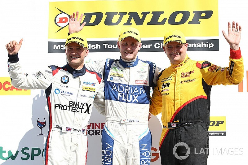 Rockingham BTCC: Sutton controls Race 2, extends points lead