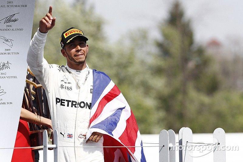 """Hamilton: """"We hebben een geweldige tik uitgedeeld aan Ferrari"""""""