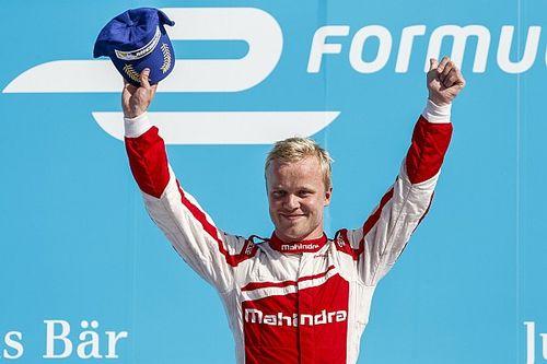 Formule E Berlijn: Rosenqvist wint eerste race voor Mahindra