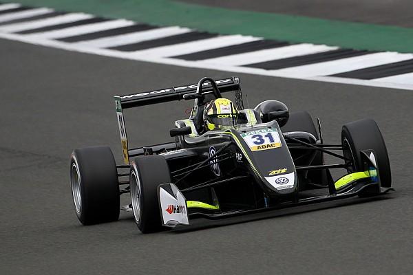 فورمولا 3 الأوروبية تقرير السباق فورمولا 3: نوريس يُهيمن على السباق الأوّل في سيلفرستون محققًا فوزه الأوّل