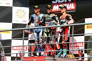 WSBK Reporte de la carrera Cuarto doblete de la temporada para Rea y primer podio de Van der Mark con Yamaha
