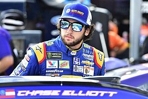 Chase Elliott takes solar eclipse viewing to new heights