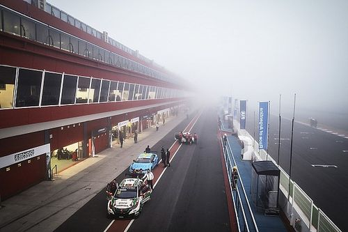 Argentina WTCC: Michelisz leads fog-shortened first practice