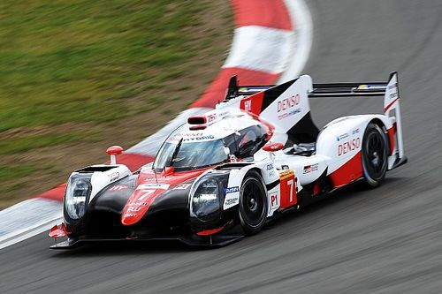 Toyota bate Porsche e conquista pole em Nurburgring