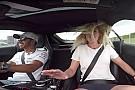 OTOMOBİL Hamilton, AMG GT ile, kadın gazeteciye heyecan dolu bir röportaj verdi!
