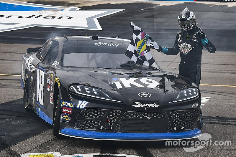 Kyle Busch continues Xfinity Series domination at Phoenix