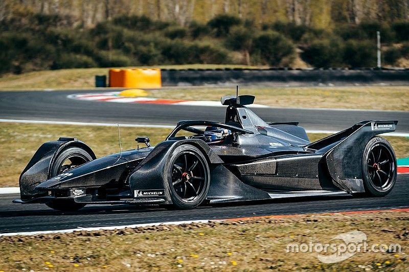 Mercedes ha fatto debuttare la sua monoposto di Formula E sulla pista di Varano