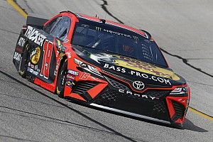 Martin Truex Jr. escapes penalty, blasts lapped traffic