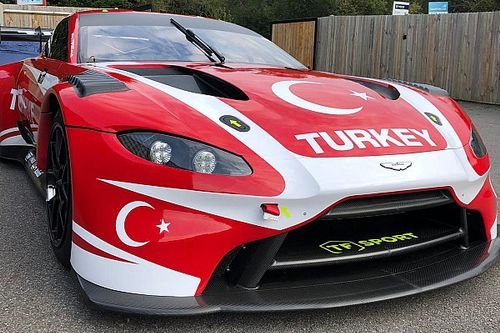 Galeri: Ayhancan ve Salih'in Motor sporları olimpiyatlarında kullanacakları araç