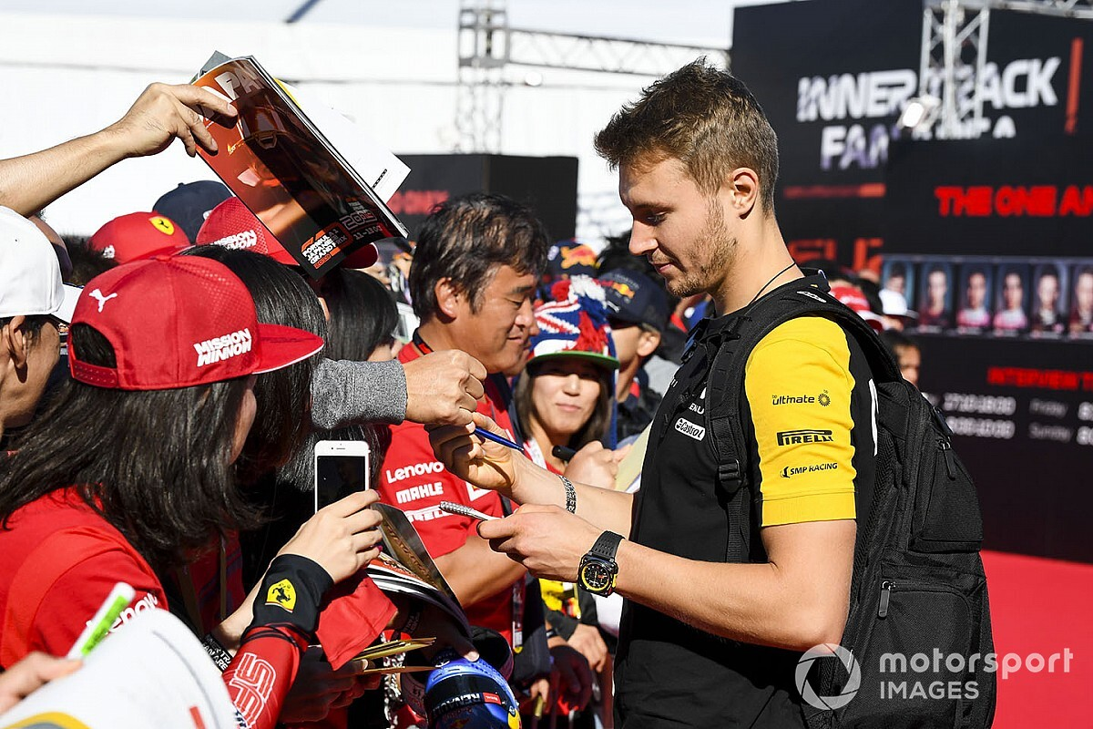Hivatalos: 2020-ban is Szergej Szirotkin a Renault F1 Team tartalékja