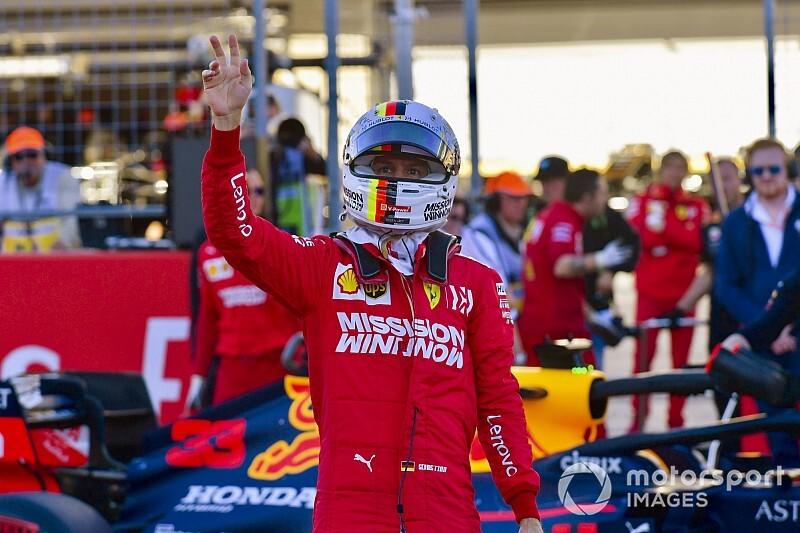Vettel eldobta a mercedeses sapkát: meggyőzte a gyereket (videó)