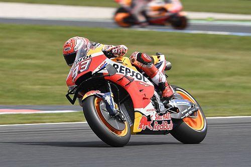 Marquez pakt 55ste MotoGP-zege in Australië na crash Viñales