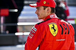 Leclerc: Sainz será un gran desafío para mi en Ferrari
