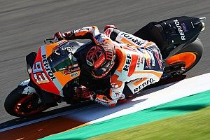"Marquez puzzled by ""strange"" Valencia test crash"