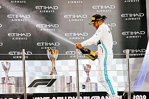 """Hamilton: """"Het beste jaar uit mijn carrière"""""""