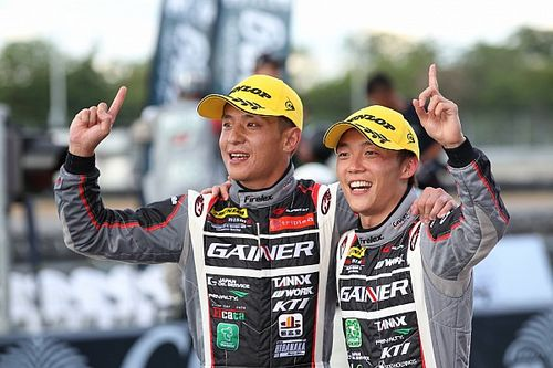 安田裕信スーパーGT参戦100戦目で優勝「チームとチームメイトに感謝」