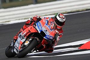 MotoGP Inggris: Pole kedua Lorenzo, Yamaha terpuruk