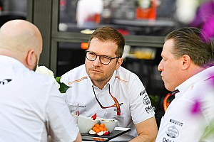 Melbourne-ben marad a McLaren csapatfőnöke