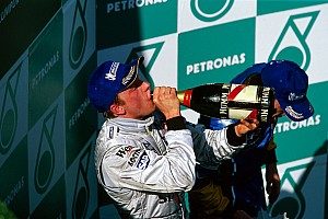 Ma 17 éve, hogy Räikkönen először nyert a Forma-1-ben: majdnem megvolt a vb-cím a McLarennel