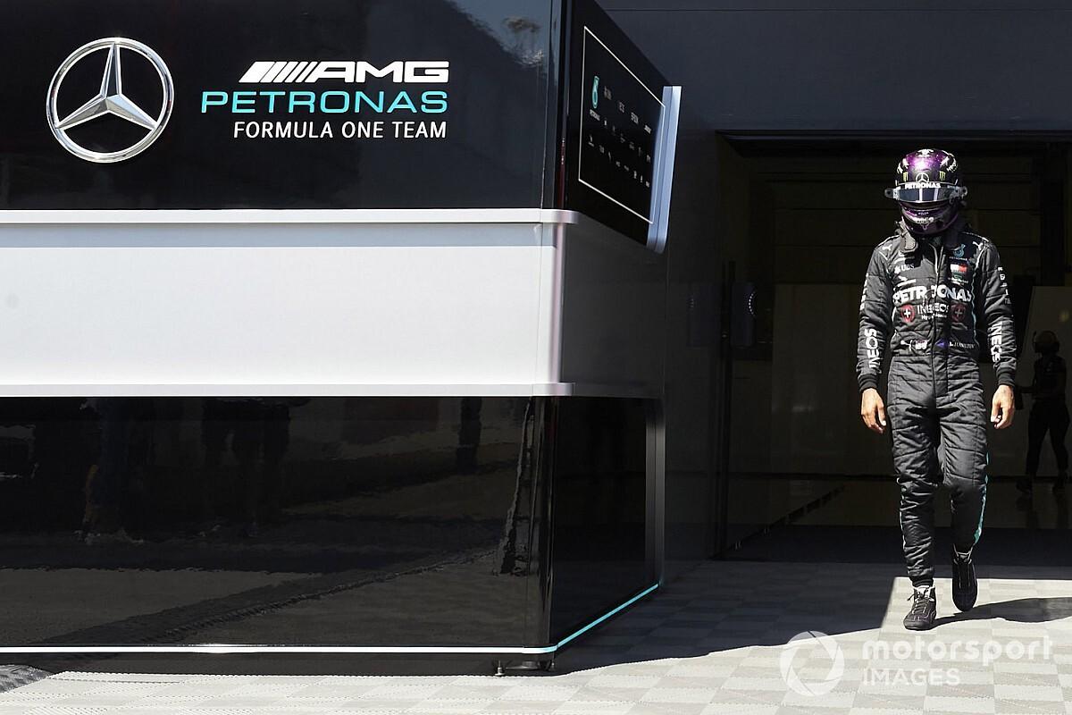 """Hamilton piensa seguir en la Fórmula 1 por """"tres años"""" más"""