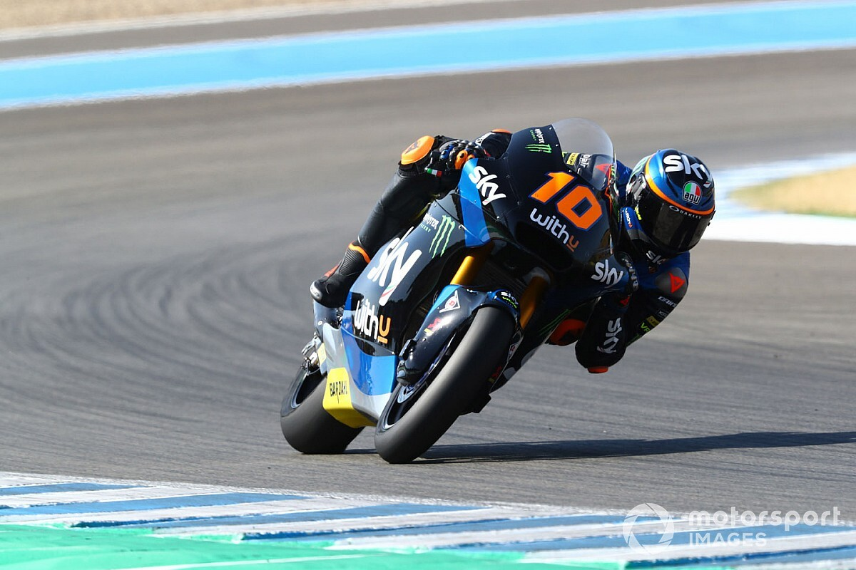 Jerez Moto2: Rossi protege Marini eases to victory